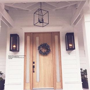 Cette image montre un porche rustique.