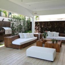 Contemporary Porch by Selman & Asociados Arquitectura