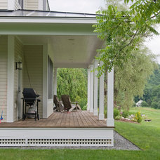 Traditional Porch by Bluetime Collaborative