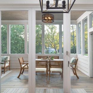 Cottage porch idea in Atlanta