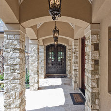 Traditional Porch by Sullivan, Henry, Oggero and Associates, Inc.