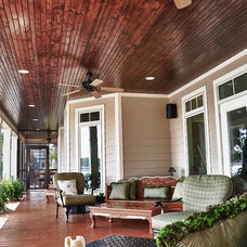 Traditional Porch by Tab Premium Built Homes