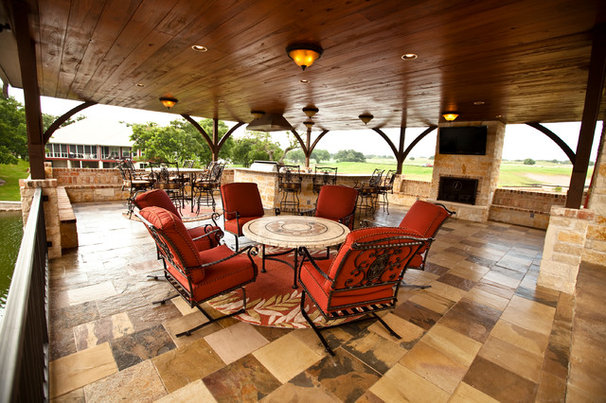 Traditional Porch by Texana Builders