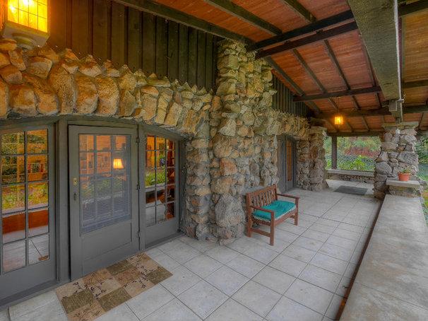 Craftsman Porch by Mark Miller / Luxe Platinum Properties