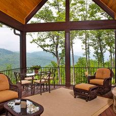 Craftsman Porch by Dillard-Jones Builders, LLC