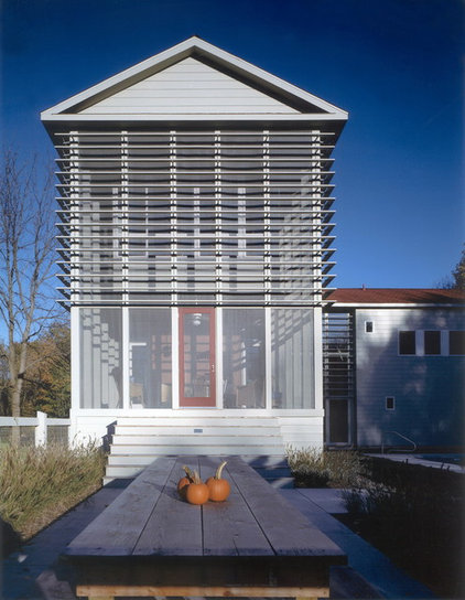 contemporary porch by Wheeler Kearns Architects