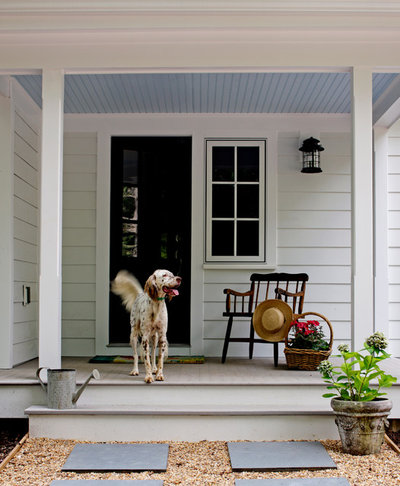 Farmhouse Porch by Rosney Co. Architects