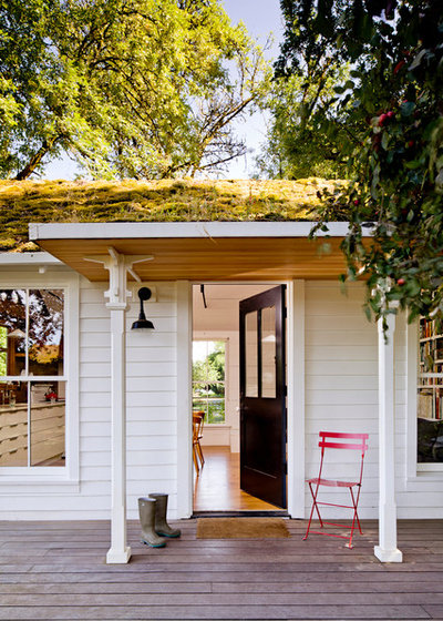 Farmhouse Porch by Jessica Helgerson Interior Design