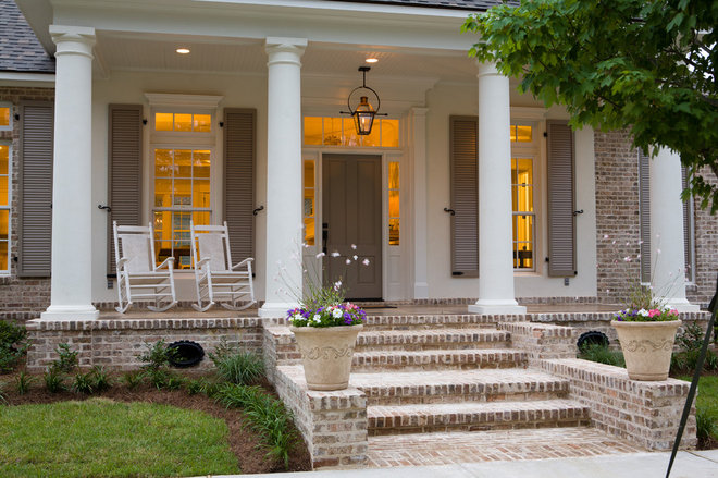 Traditional Porch by Highland Homes, Inc.