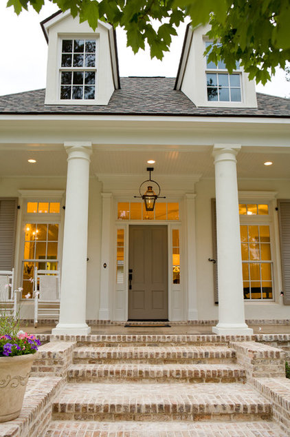Traditional Exterior by Highland Homes, Inc.