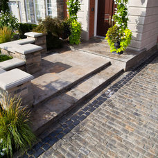 Traditional Patio by Royal Stone Landscaping & Design Ltd.