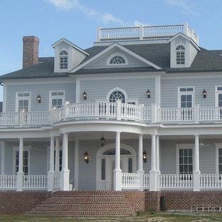 Huge elegant front porch photo in Atlanta