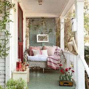 Idee per un portico stile shabby davanti casa