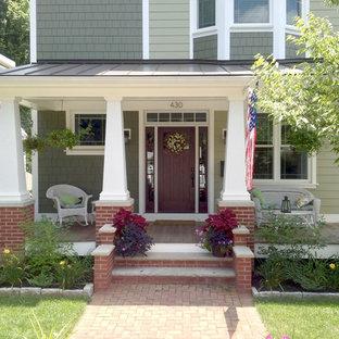 Esempio di un portico stile americano