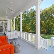 Modern Porch by suzanne pignato