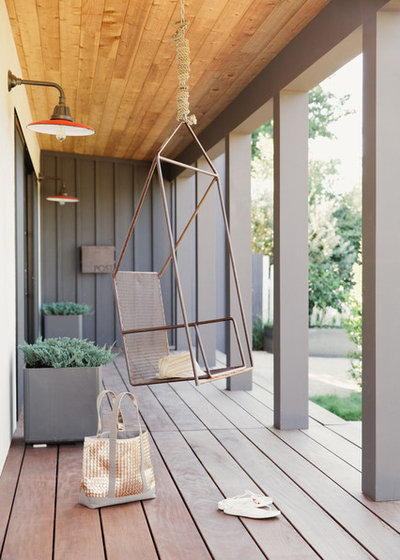 Transitional Porch by Katharine Webster Inc.
