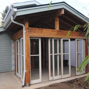 Foto e idee per esterni esterni moderni con un portico for Portico moderno