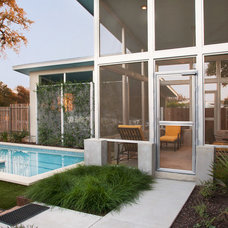 Midcentury Porch by Nick Mehl Architecture