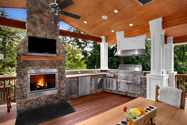 Traditional Porch by Logan's Hammer Building & Renovation