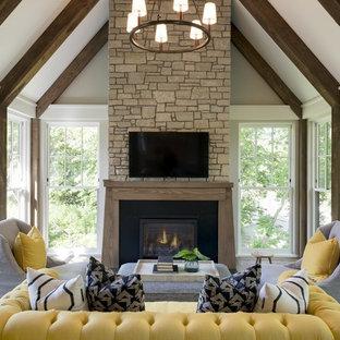 Idées déco pour un porche classique avec une moustiquaire.