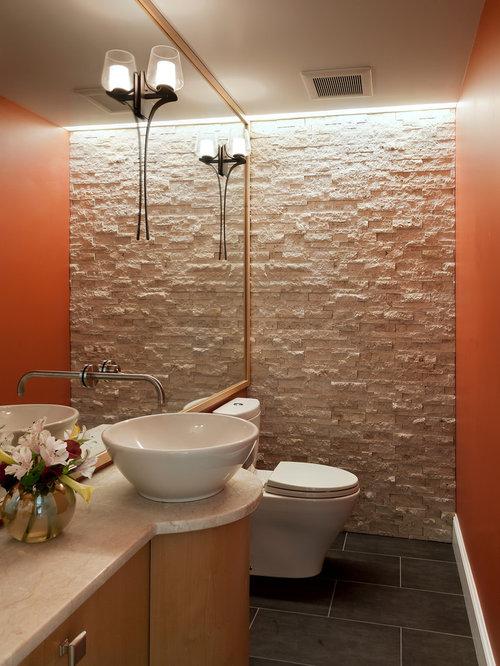 Photos et id es d co de wc et toilettes avec un carrelage de pierre et un mur orange - Idee carrelage toilette ...