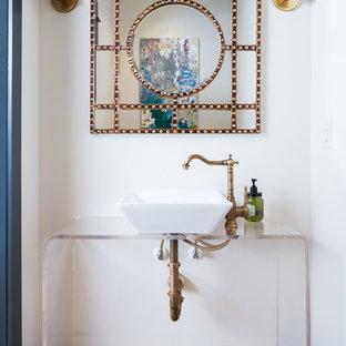 На фото: туалет в стиле современная классика с открытыми фасадами, белыми стенами, полом из терракотовой плитки и настольной раковиной с