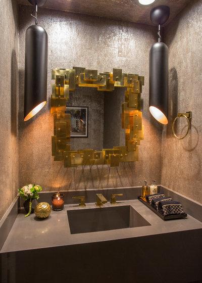 Современный Туалет by The Accidental Decorator