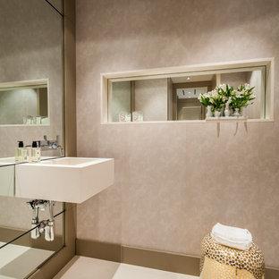 Moderne Gästetoilette mit Wandwaschbecken in Miami