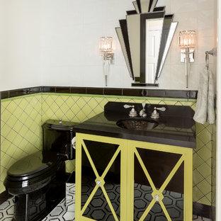 На фото: маленький туалет в стиле современная классика с стеклянными фасадами, зелеными фасадами, зеленой плиткой, черной плиткой, разноцветной плиткой, керамической плиткой, белыми стенами, столешницей из искусственного кварца, разноцветным полом, черной столешницей и монолитной раковиной с