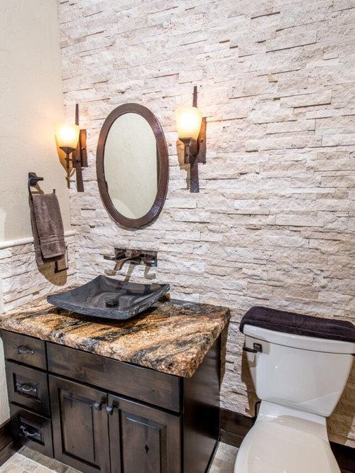 g stetoilette g ste wc mit steinfliesen und beigefarbenen w nden ideen f r g stebad und. Black Bedroom Furniture Sets. Home Design Ideas