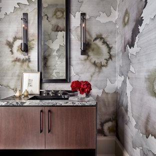Ispirazione per un bagno di servizio minimal di medie dimensioni con consolle stile comò, ante in legno bruno, piastrelle di marmo, pareti grigie, lavabo sottopiano, top in marmo, parquet scuro, pavimento marrone, top grigio e piastrelle multicolore