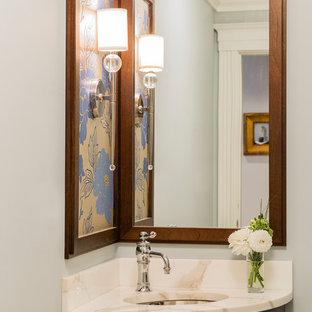 Ispirazione per un piccolo bagno di servizio minimal con lavabo sottopiano
