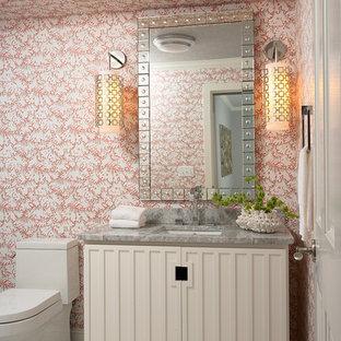 Idéer för att renovera ett vintage grå grått toalett, med ett undermonterad handfat, beige skåp, möbel-liknande, en toalettstol med hel cisternkåpa och flerfärgade väggar