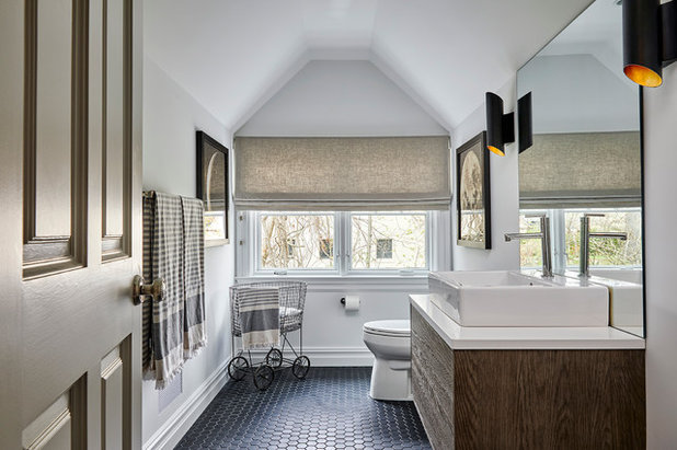 Transitional Cloakroom by RoomSecret