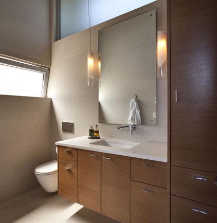 Modern Powder Room by Randy Bens, Architect AIBC