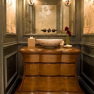 Idées déco pour un WC et toilettes victorien avec une vasque.