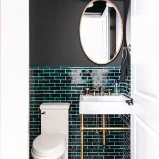 Idéer för ett litet klassiskt toalett, med grön kakel, svarta väggar, mosaikgolv, svart golv och ett piedestal handfat