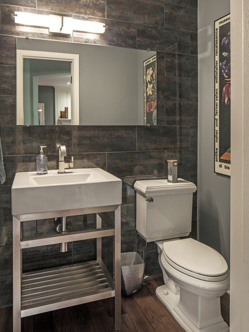 photos et id es d co de wc et toilettes avec un sol en bois fonc et un carrelage gris. Black Bedroom Furniture Sets. Home Design Ideas