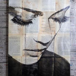 Imagen de aseo papel pintado, actual, pequeño, papel pintado, con armarios con paneles lisos, puertas de armario marrones, lavabo encastrado, encimera de cuarcita, suelo marrón, encimeras blancas y papel pintado