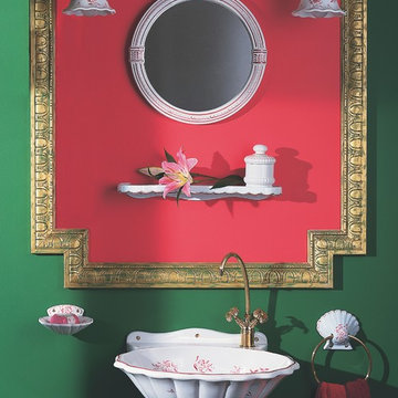 Coquille Tropical Powder Room
