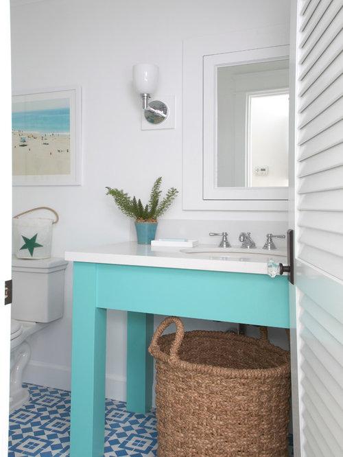 Beach style powder room design ideas remodels photos for 8x7 bathroom ideas