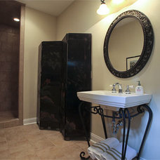 Traditional Powder Room by Lankford Decorating & Construction, Inc.