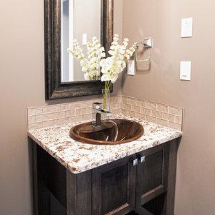 Пример оригинального дизайна: туалет среднего размера в современном стиле с серыми стенами, накладной раковиной, фасадами с декоративным кантом, темными деревянными фасадами, столешницей из гранита, раздельным унитазом, серой плиткой, стеклянной плиткой и полом из керамогранита