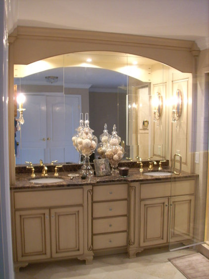 Traditional Powder Room by Fortune Services
