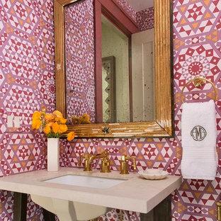 シアトルのトランジショナルスタイルのおしゃれなトイレ・洗面所の写真