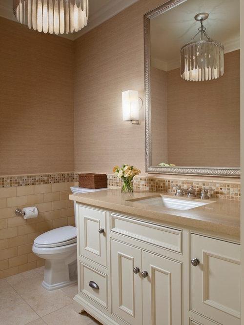 landhausstil g stetoilette g ste wc mit beigefarbenen fliesen ideen f r g stebad und g ste. Black Bedroom Furniture Sets. Home Design Ideas