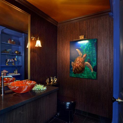 Foton och inspiration för toaletter, med marmorgolv och svart kakel