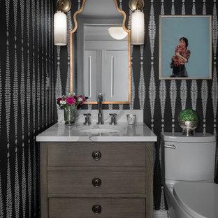 На фото: маленький туалет в стиле современная классика с фасадами островного типа, серыми фасадами, раздельным унитазом, белой плиткой, белыми стенами, мраморным полом, врезной раковиной, столешницей из искусственного кварца, коричневым полом и белой столешницей