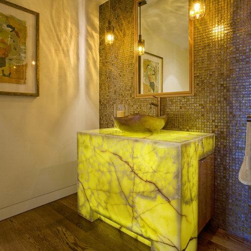 Gästetoilette & Gäste-wc Mit Onyx-waschtisch Und Braunem Holzboden ... Ideen Fur Wc Design