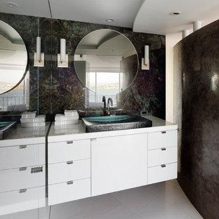 Foto de aseo contemporáneo con lavabo sobreencimera